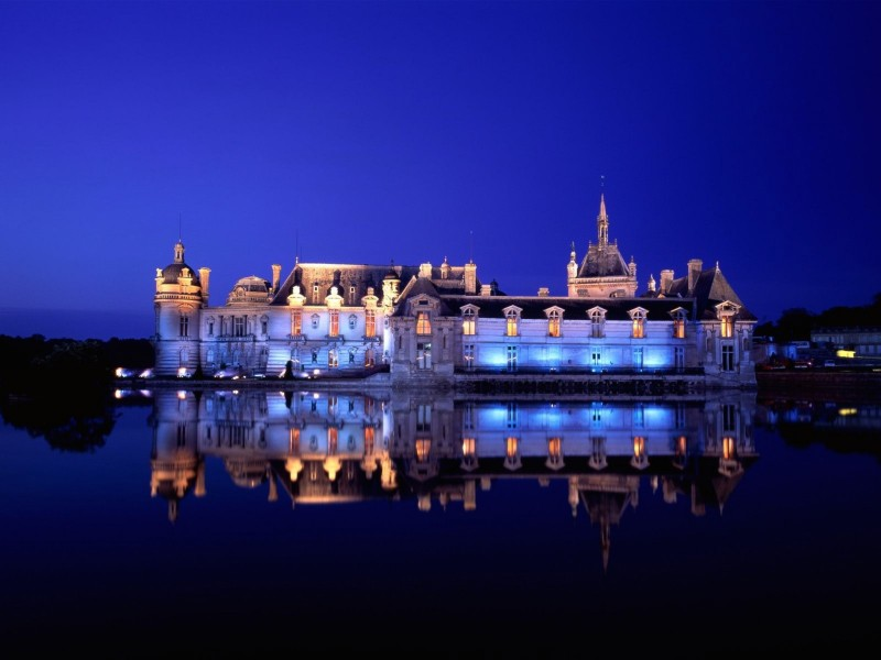 Chateau de Chantilly-Chantilly-France Night View Wallpaper