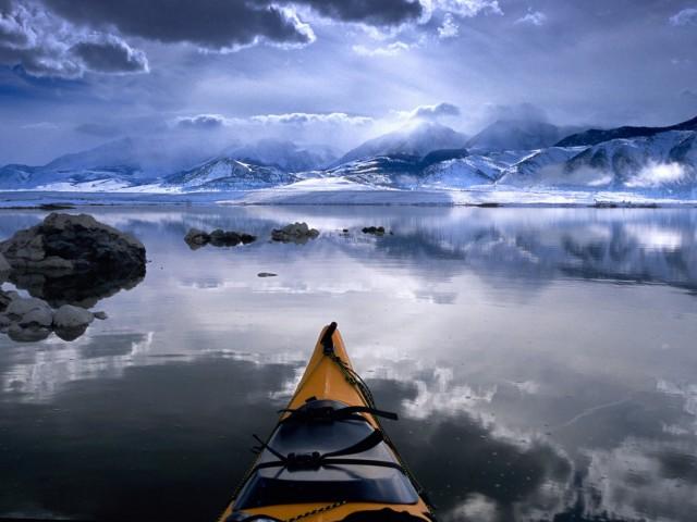 Winter Kayaking Lake Wallpaper