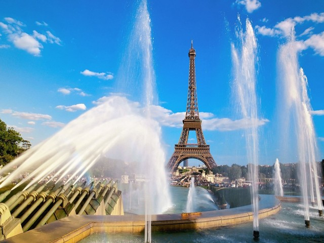 France Eiffel Tower-Warsaw Fountain Wallpaper