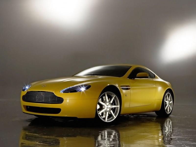 Aston Martin Vantage Yellow Wallpaper