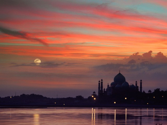Taj Mahal Sunset Agra-India Wallpaper