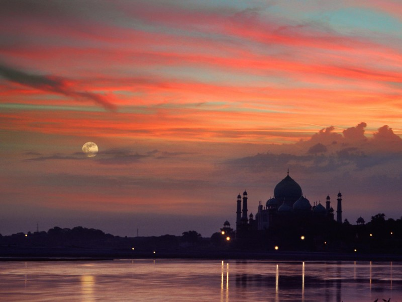 Taj Mahal Sunset Agra-India Wallpaper