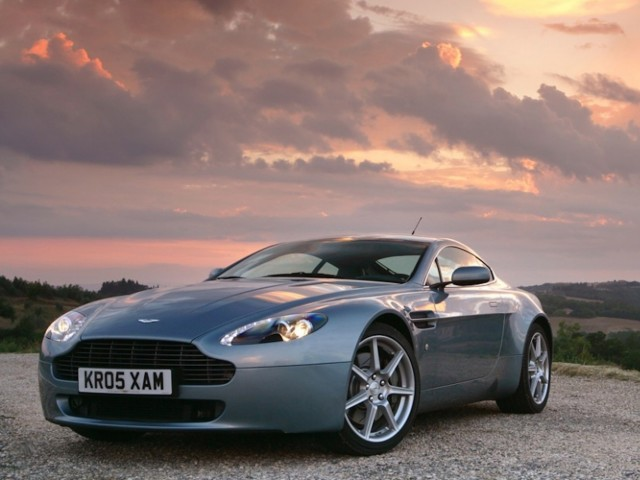 2009 Aston Martin V8 Vantage Wallpaper