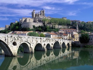 Beziers France-Orb River Wallpaper