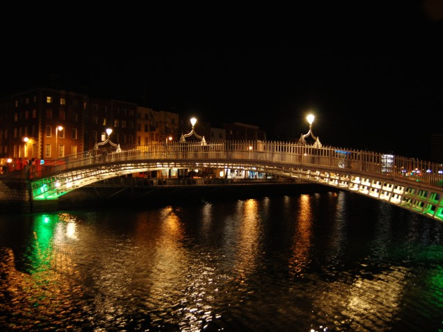 Ha'penny Bridge Dublin Ireland Wallpaper