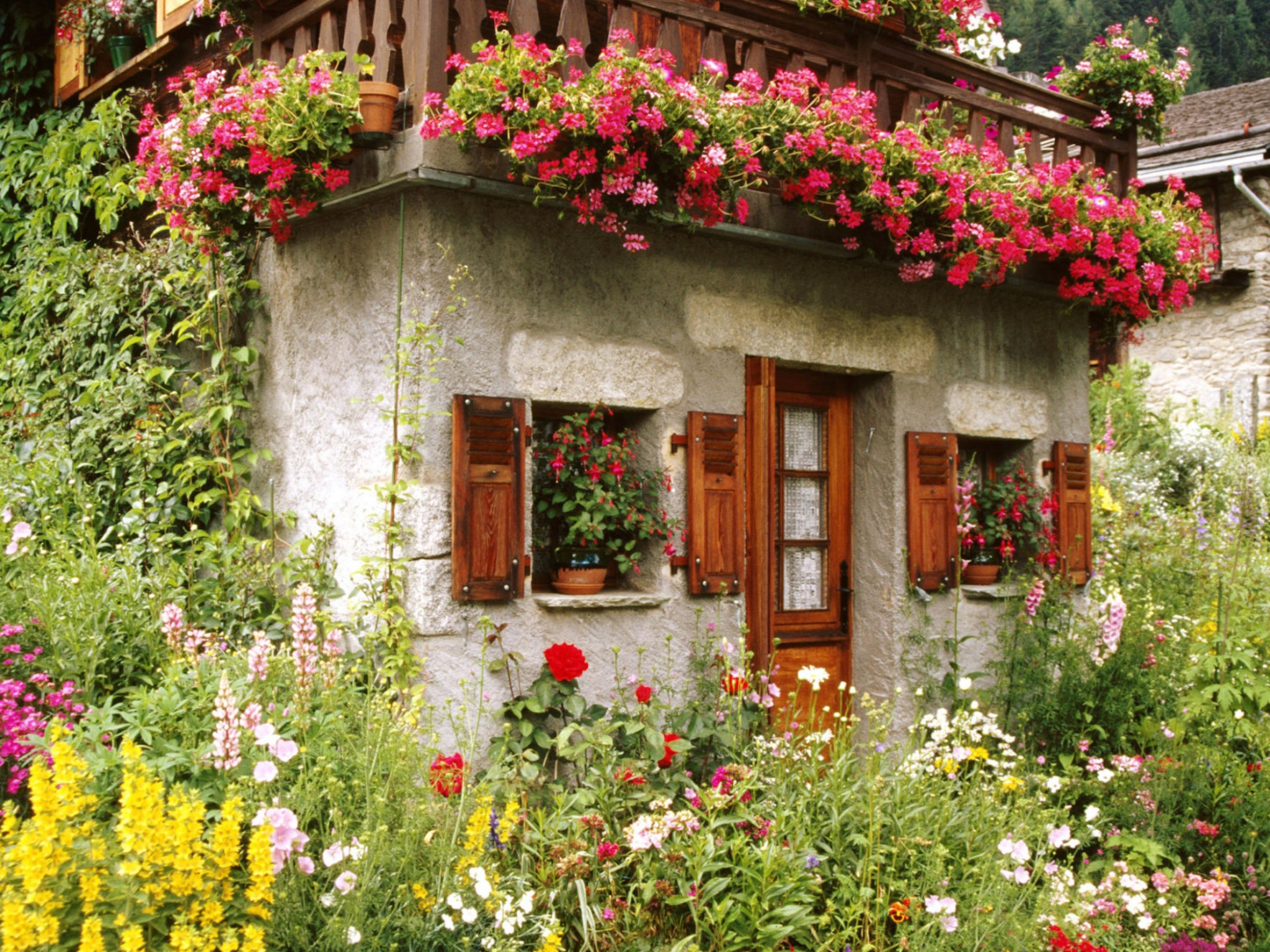 Lovely english cottage garden wallpaper free downloads for Wallpaper ideas for your home