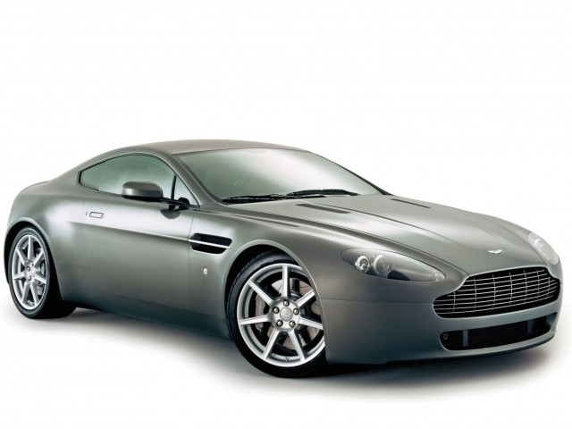 2006 Aston Martin V8 Vantage Wallpaper