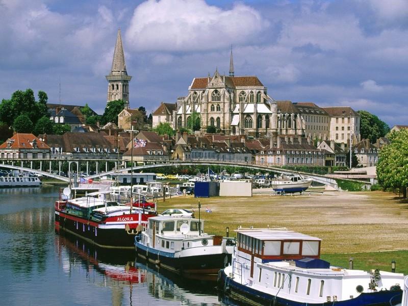 Auxerre France Wallpaper