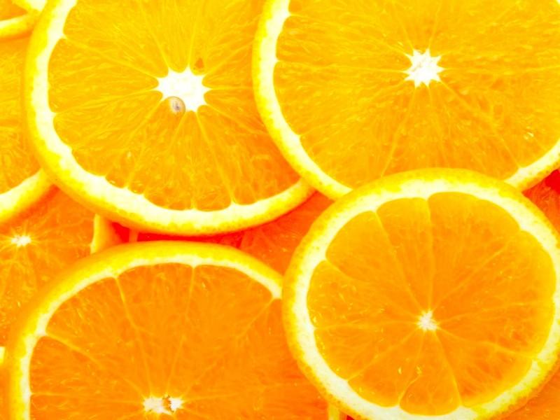 Juicy Orange Slices Wallpaper