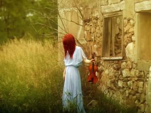 Redhead Violinist Girl Wallpaper