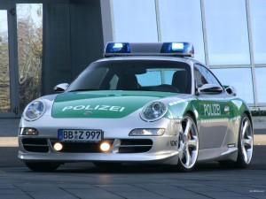 Porsche 911 232 1600