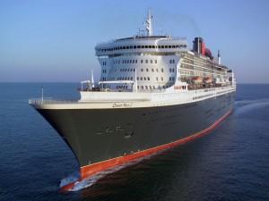 Queen Mary 2 Cruising Wallpaper