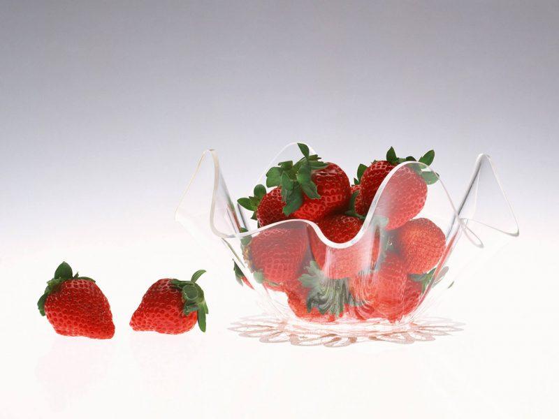 Strawberry Bowl Wallpaper