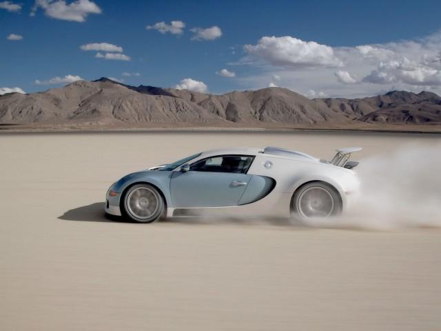 Bugatti Veyron In/bei Gerlach In Nevada Usa
