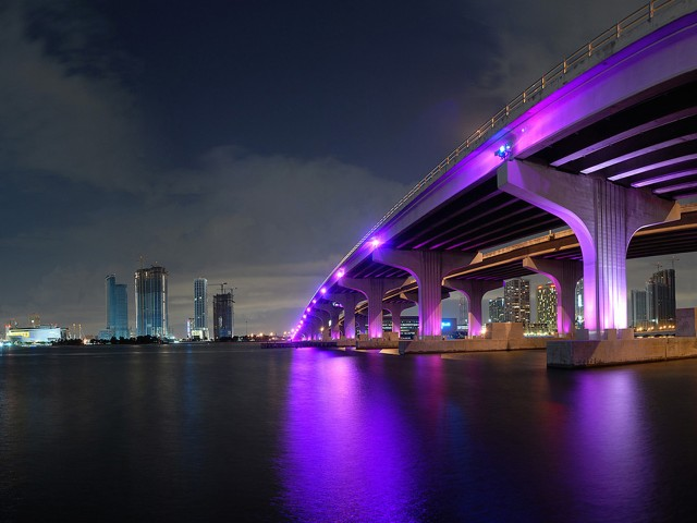 Nighttime Miami Fl Skyline Wallpaper