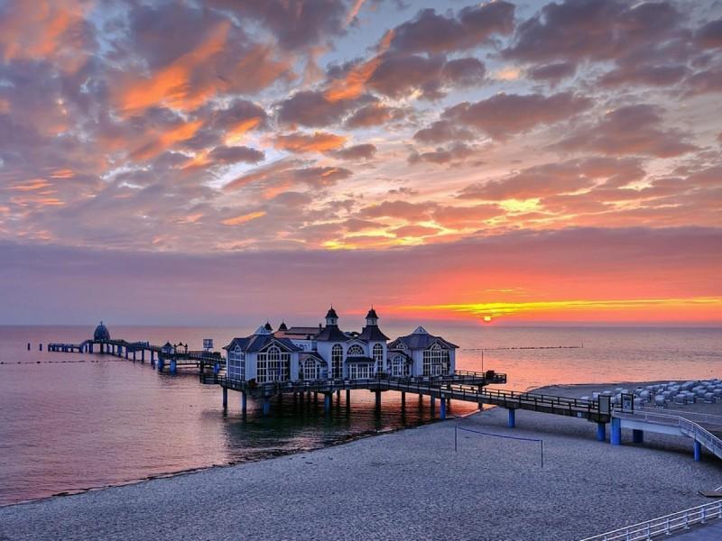 Ocean Pier Sunset Wallpaper