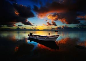 Boat HDR Scene Wallpaper