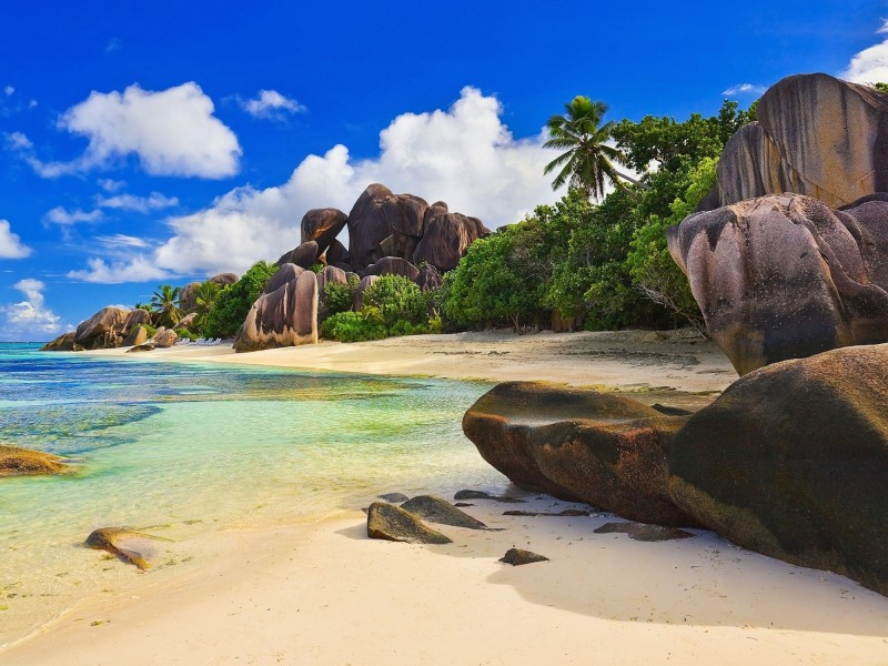 maldives paradise beach wallpaper free hd downloads