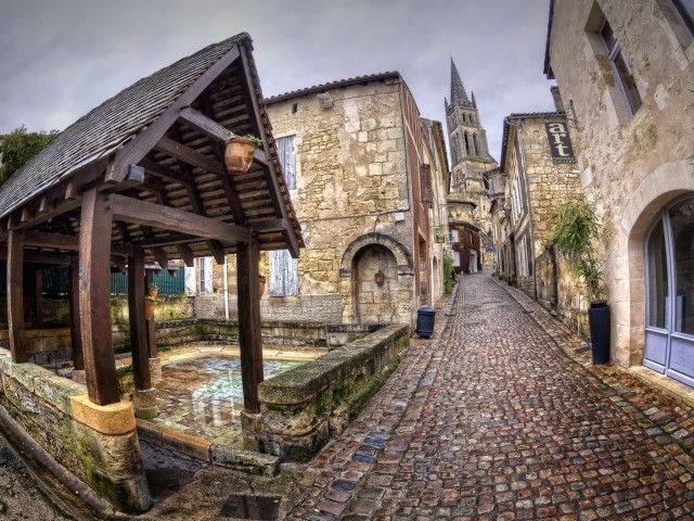 French Cobblestone Street Wallpaper