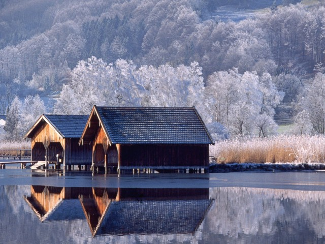 Winter Boathouse Wallpaper