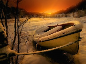 Winter Rowboat HD Wallpaper