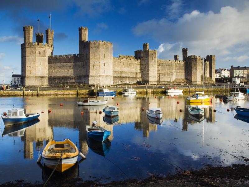 Caernarfon Castle-Wales Wallpaper