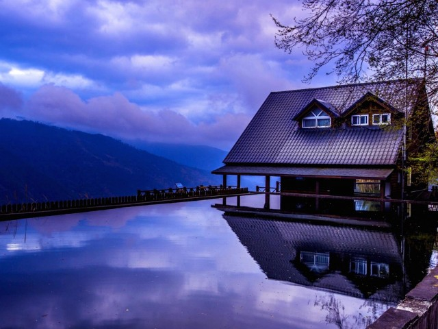 Cabin Reflection Wallpaper