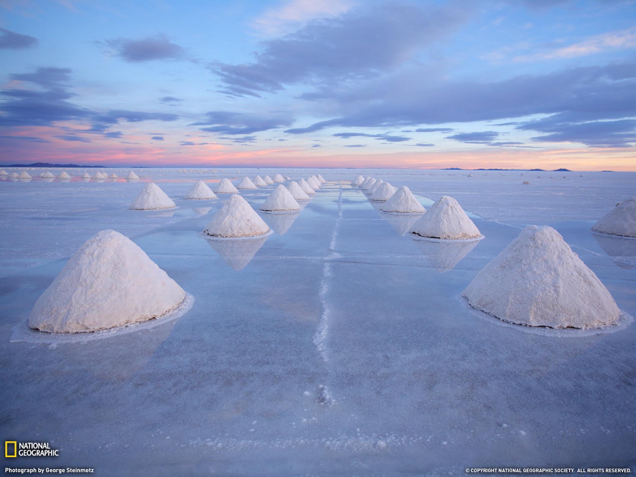 Salt Cones-Bolivia Wallpaper