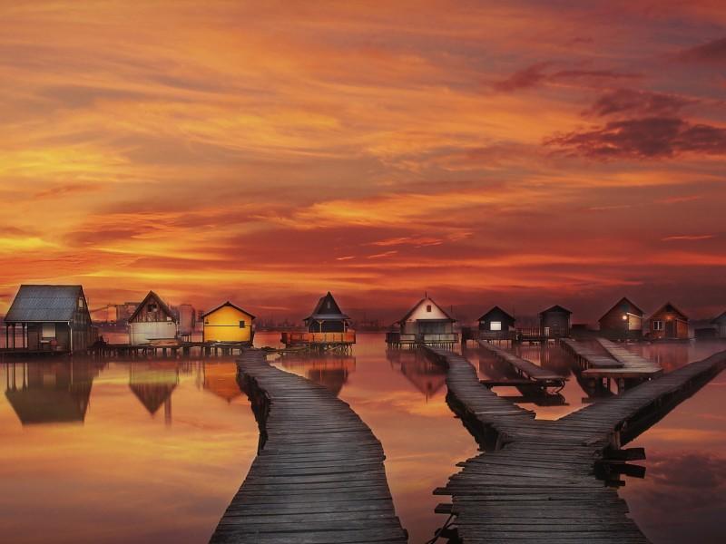 Houseboats Wallpaper